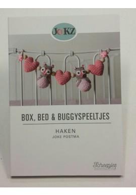 Box, Bed & Buggyspeeltjes  haken van Joke Postma
